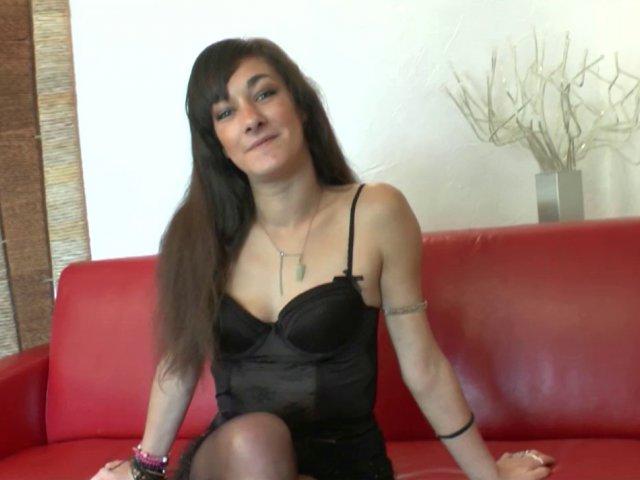 Casting porno hallucinant avec une débutante très ouverte